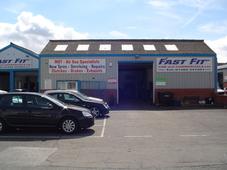 fastfit car & commercials ltd Logo